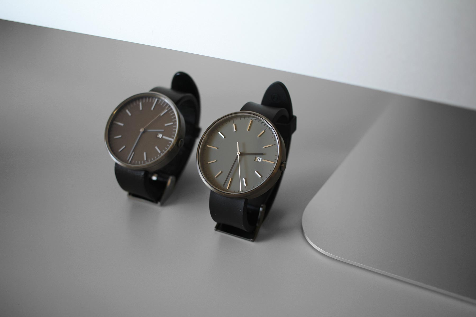 Uniform Wares | M40 PreciDrive Date Watch in PVD Grey